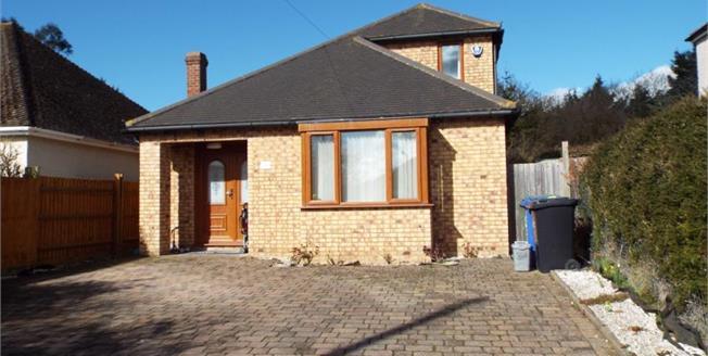 Asking Price £385,000, 3 Bedroom Detached House For Sale in Old Stratford, MK19