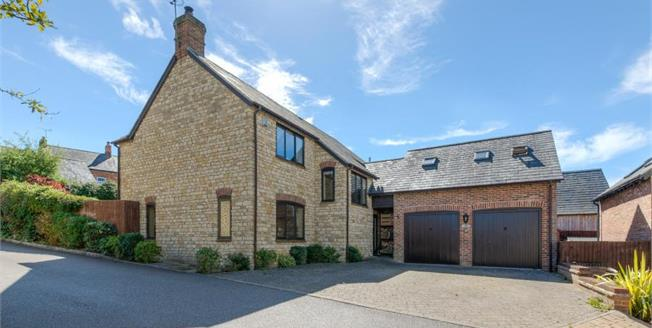 Offers Over £550,000, 5 Bedroom Detached House For Sale in Potterspury, NN12