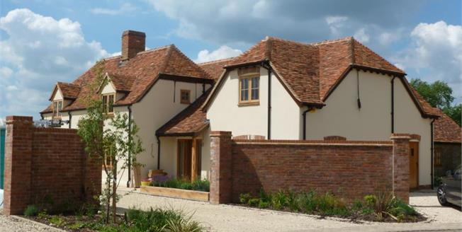 £1,300,000, 5 Bedroom Detached House For Sale in Oakley, HP18