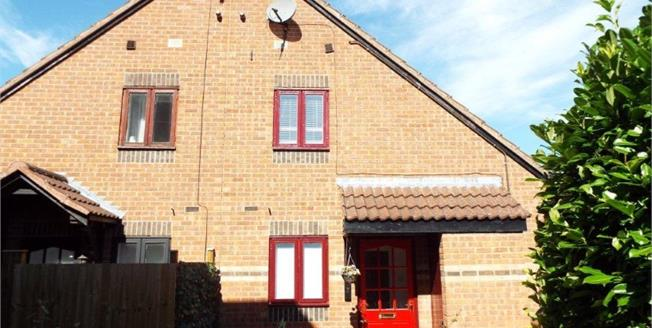 Offers Over £220,000, 2 Bedroom Terraced House For Sale in Bicester, OX26