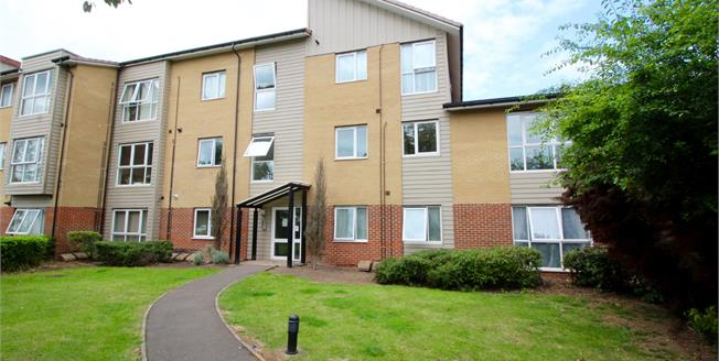 Asking Price £209,995, 2 Bedroom Flat For Sale in Bedminster, BS3