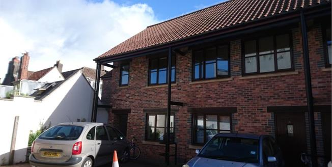 Asking Price £245,000, 2 Bedroom Maisonette For Sale in Bristol, BS2