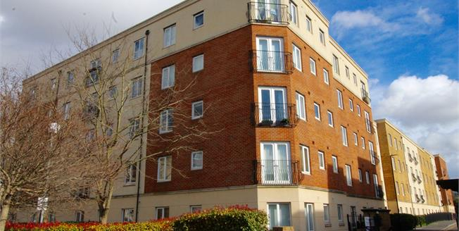 Offers Over £245,000, 2 Bedroom Flat For Sale in Bedminster, BS3