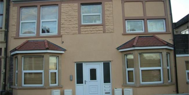 Offers in excess of £135,000, 1 Bedroom Flat For Sale in Bristol, BS4