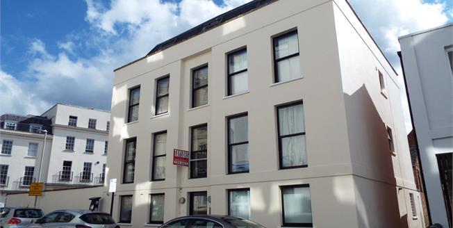 Guide Price £190,000, 2 Bedroom Flat For Sale in Cheltenham, GL50