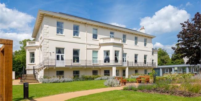£268,000, 1 Bedroom Flat For Sale in Cheltenham, GL50