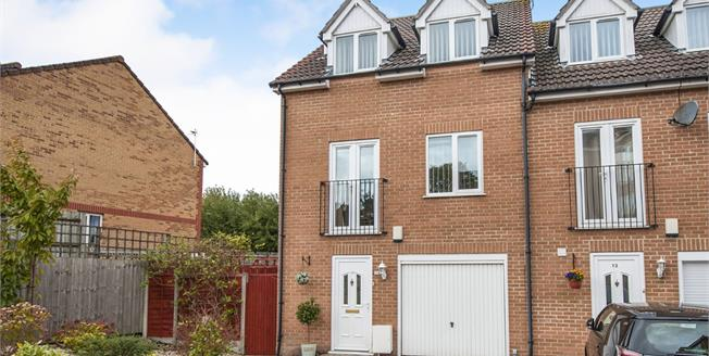 Guide Price £300,000, 4 Bedroom End of Terrace House For Sale in Staple Hill, BS16