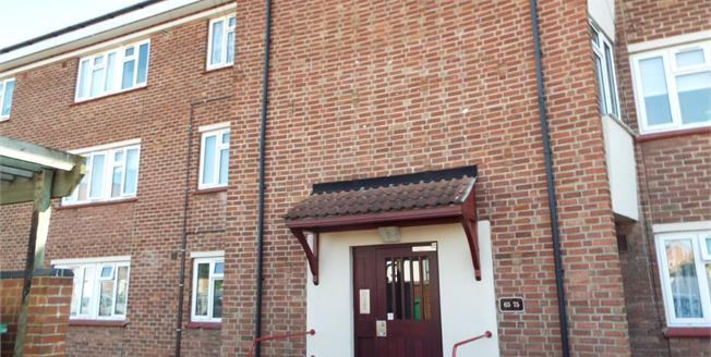 £135,000, 2 Bedroom Flat For Sale in Bristol, BS10