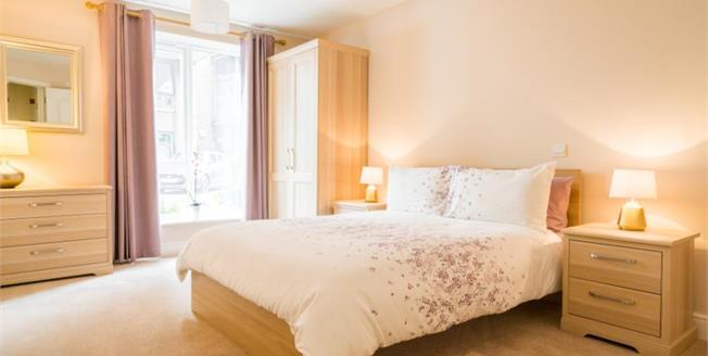 £250,000, 2 Bedroom Flat For Sale in Fishponds, BS16