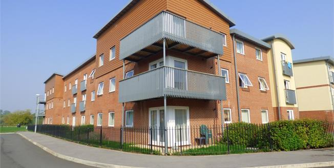Asking Price £130,000, 2 Bedroom Flat For Sale in Gloucester, GL1