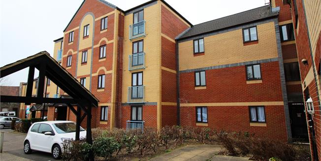 Offers in excess of £145,000, 2 Bedroom Flat For Sale in Kingswood, BS15