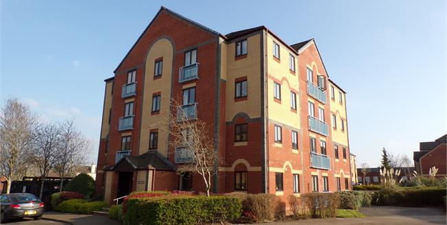 Offers Over £150,000, 2 Bedroom Flat For Sale in Kingswood, BS15
