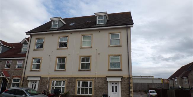 Asking Price £145,000, 1 Bedroom Flat For Sale in Kingswood, BS15