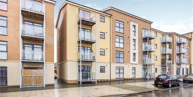 Asking Price £190,000, 2 Bedroom Flat For Sale in Patchway, BS34