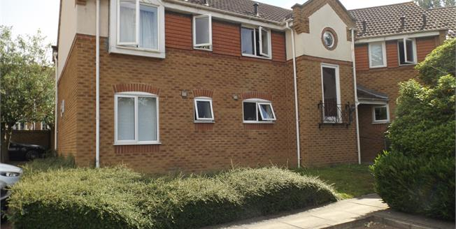 Asking Price £185,000, 2 Bedroom Flat For Sale in Grays, RM16
