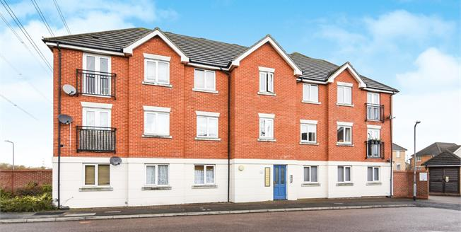 Offers in excess of £205,000, 2 Bedroom Flat For Sale in Chafford Hundred, RM16