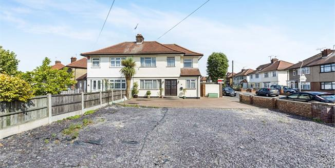 Asking Price £550,000, 4 Bedroom Semi Detached House For Sale in Romford, RM5