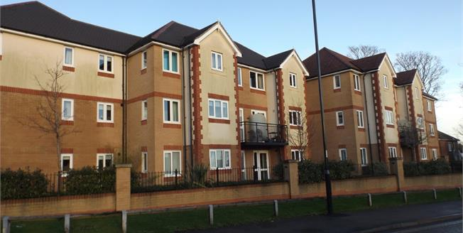 Guide Price £167,500, 1 Bedroom Flat For Sale in Southampton, SO18
