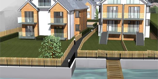 £275,000, 2 Bedroom Ground Floor Flat For Sale in Priory Road, SO17
