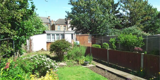 Asking Price £475,000, 3 Bedroom Terraced House For Sale in Lincoln Crescent, EN1