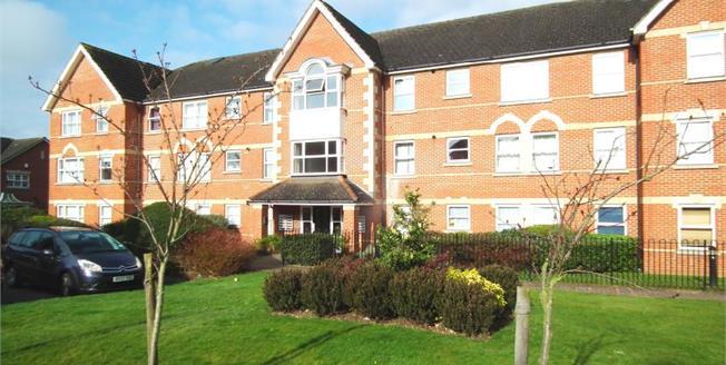 Offers Over £325,000, 2 Bedroom Flat For Sale in Enfield, EN1