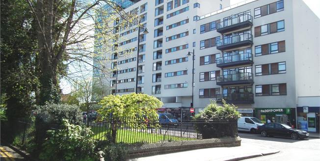 Asking Price £375,000, 2 Bedroom Flat For Sale in Enfield, EN1