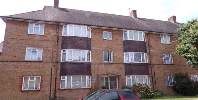 Asking Price £325,000, 2 Bedroom Flat For Sale in Enfield, EN1
