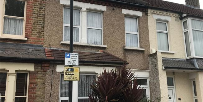 £400,000, 3 Bedroom Terraced House For Sale in Enfield, EN1