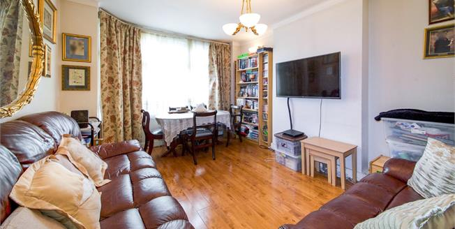 Offers in excess of £325,000, 2 Bedroom Maisonette For Sale in Enfield, EN1