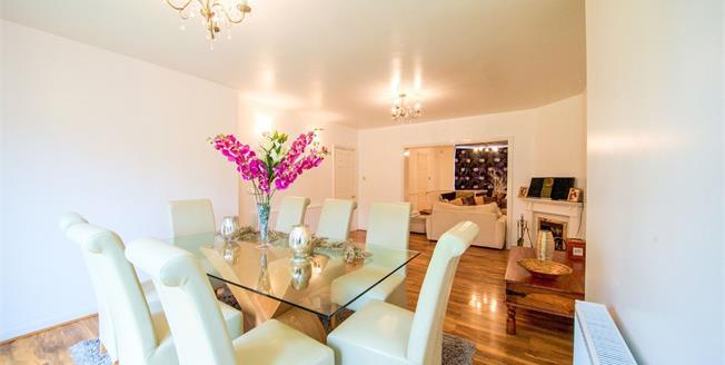 Offers in the region of £750,000, 4 Bedroom Semi Detached Bungalow For Sale in Enfield, EN1