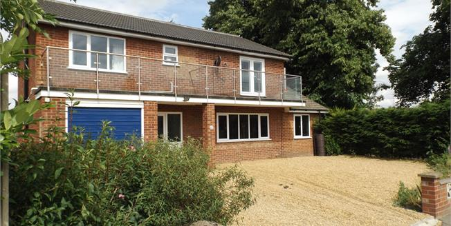 £290,000, 4 Bedroom Detached House For Sale in Diss, IP22