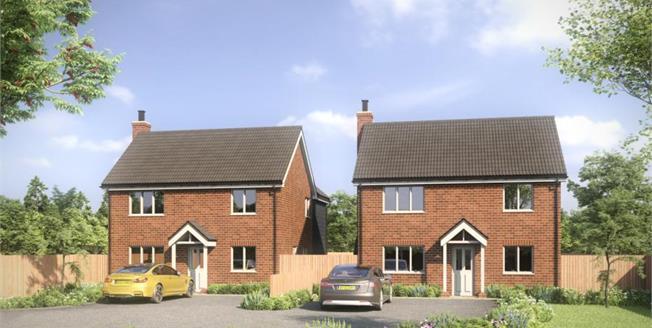 £325,000, 3 Bedroom Detached House For Sale in Shropham, NR17