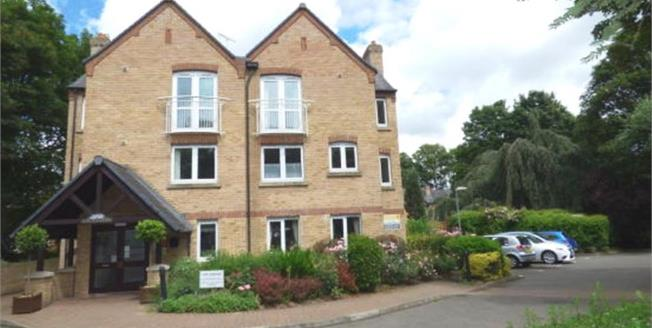 Offers Over £170,000, 1 Bedroom Flat For Sale in Bury St. Edmunds, IP33