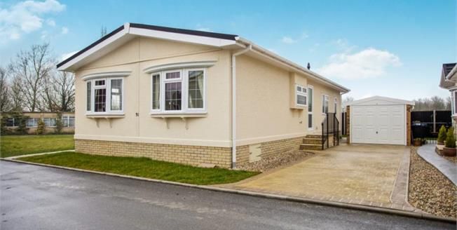Guide Price £160,000, 2 Bedroom Detached Mobile Home For Sale in Ely, CB6