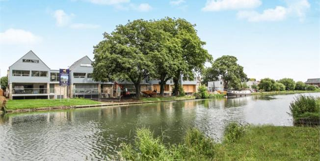 £1,250,000, 5 Bedroom Detached House For Sale in Cambridge, CB4