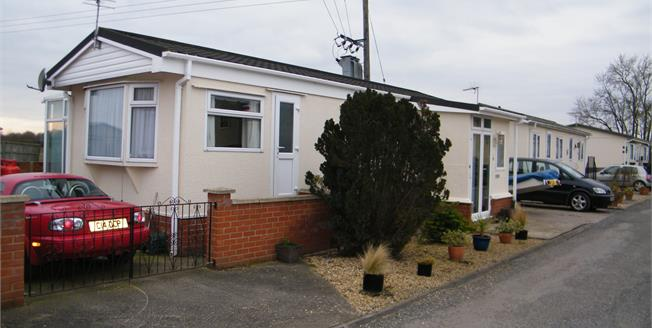 Guide Price £60,000, 1 Bedroom Mobile Home For Sale in Cottenham, CB24