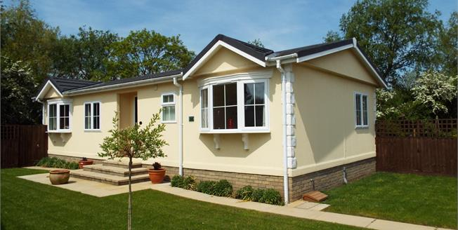 Offers in excess of £170,000, 2 Bedroom Detached Mobile Home For Sale in Stretham, CB6