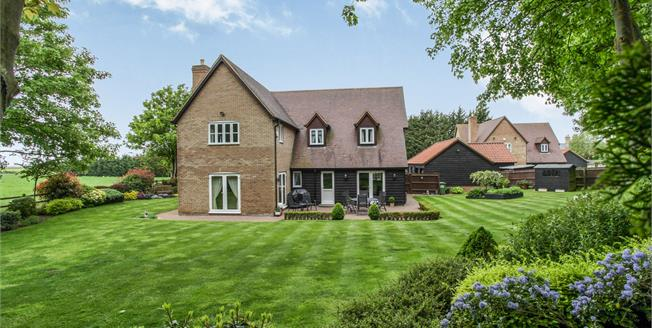 Guide Price £900,000, 4 Bedroom Detached House For Sale in Gamlingay, SG19