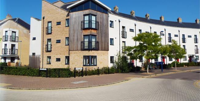 Guide Price £294,995, 2 Bedroom Flat For Sale in Cambridge, CB4