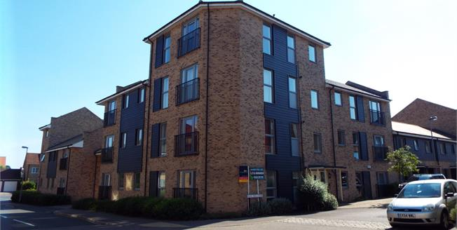 Guide Price £260,000, 1 Bedroom Flat For Sale in Cambridge, CB4