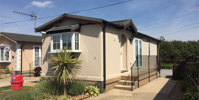 Offers Over £80,000, 1 Bedroom Mobile Home For Sale in Longstanton, CB24
