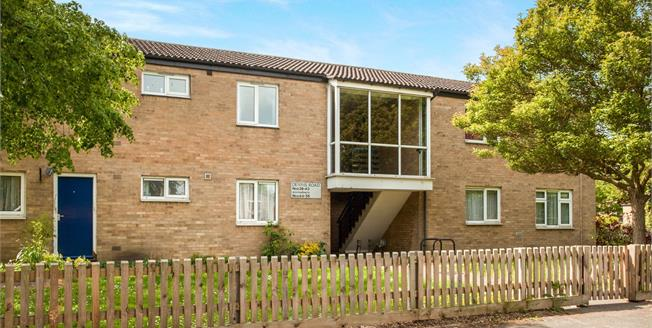 £220,000, 2 Bedroom Flat For Sale in Cambridge, CB5