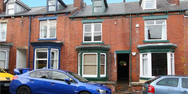 Guide Price £275,000, 3 Bedroom Terraced House For Sale in Sheffield, S11
