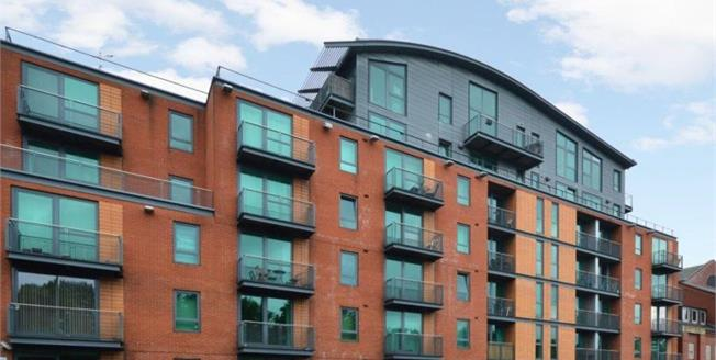 £100,000, 1 Bedroom Upper Floor Flat For Sale in Sheffield, S2