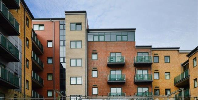 £130,000, 1 Bedroom Upper Floor Flat For Sale in Sheffield, S11