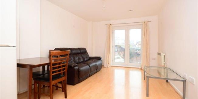 £115,000, 2 Bedroom Upper Floor Flat For Sale in Sheffield, S3