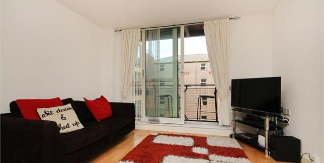 Asking Price £95,000, 1 Bedroom Upper Floor Flat For Sale in Sheffield, S2