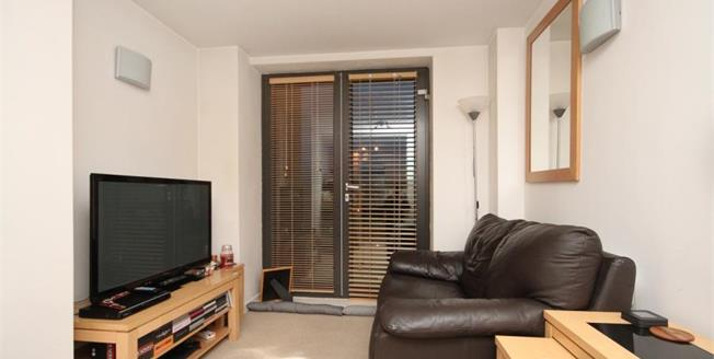 £100,000, 1 Bedroom Upper Floor Flat For Sale in Sheffield, S1