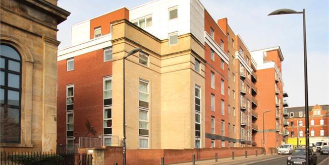 £200,000, 2 Bedroom Flat For Sale in Sheffield, S1