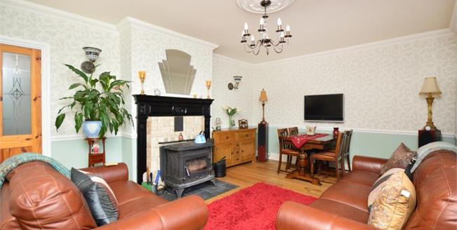 £240,000, 3 Bedroom Terraced House For Sale in Ecclesfield, S35